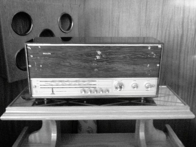 Dedemden yadigar Eskilerden bir Radyo