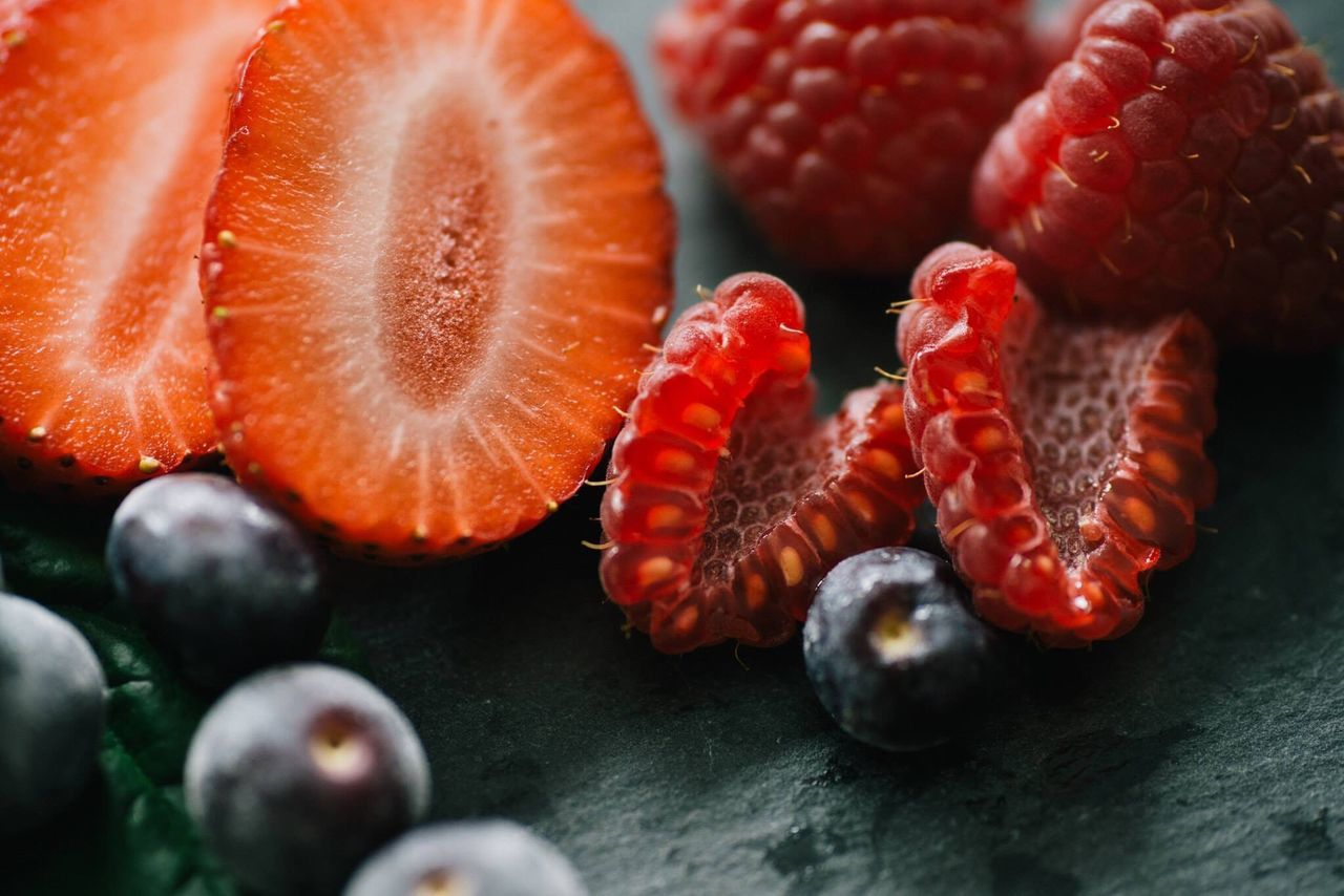 Fruit Healthy Eating Freshness Food Close-up No People SLICE Nature Macro Berries Strawberries Blueberry Rasberries Colors Colorful Strawberry Shake Lifestyle Healthy Lifestyle Morning Resolution Fresh Nature