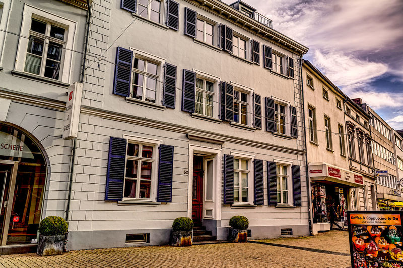I love old Citys and Houses Architecture Balcony Building Exterior City-life Façade Facades Germany Hdrphotography House KrefeldUerdingen No People Outdoors Residential Building Street Streetphotography Window