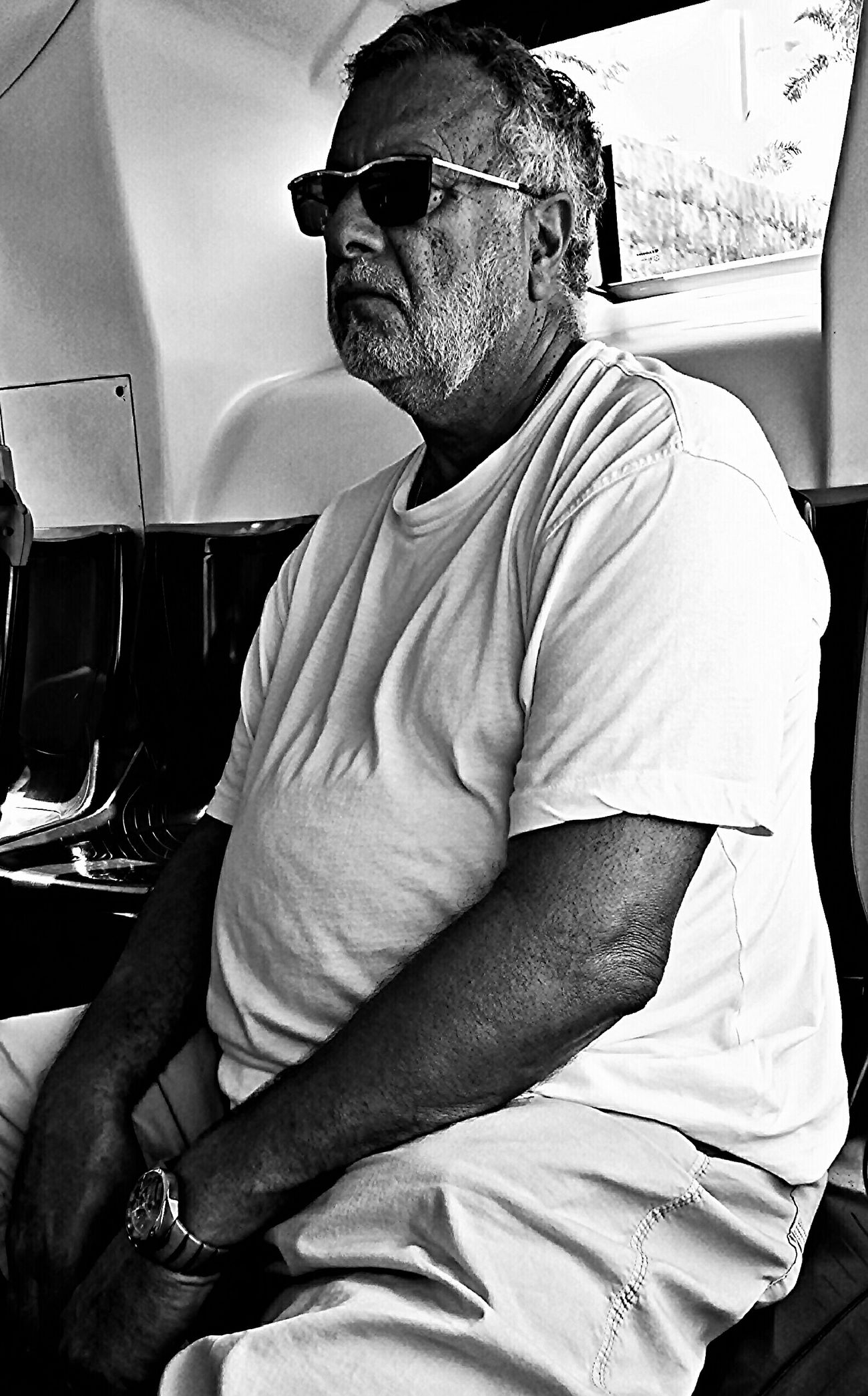 "PhotOnBus. PhonEdited. Serie: "" ...Unknow PeoplE... "" Buenos días Eyeemer@s!! Good morning Eyeemers!! Portrait Blackandwhite We Are Photography, We Are EyeEm En La Guagua"
