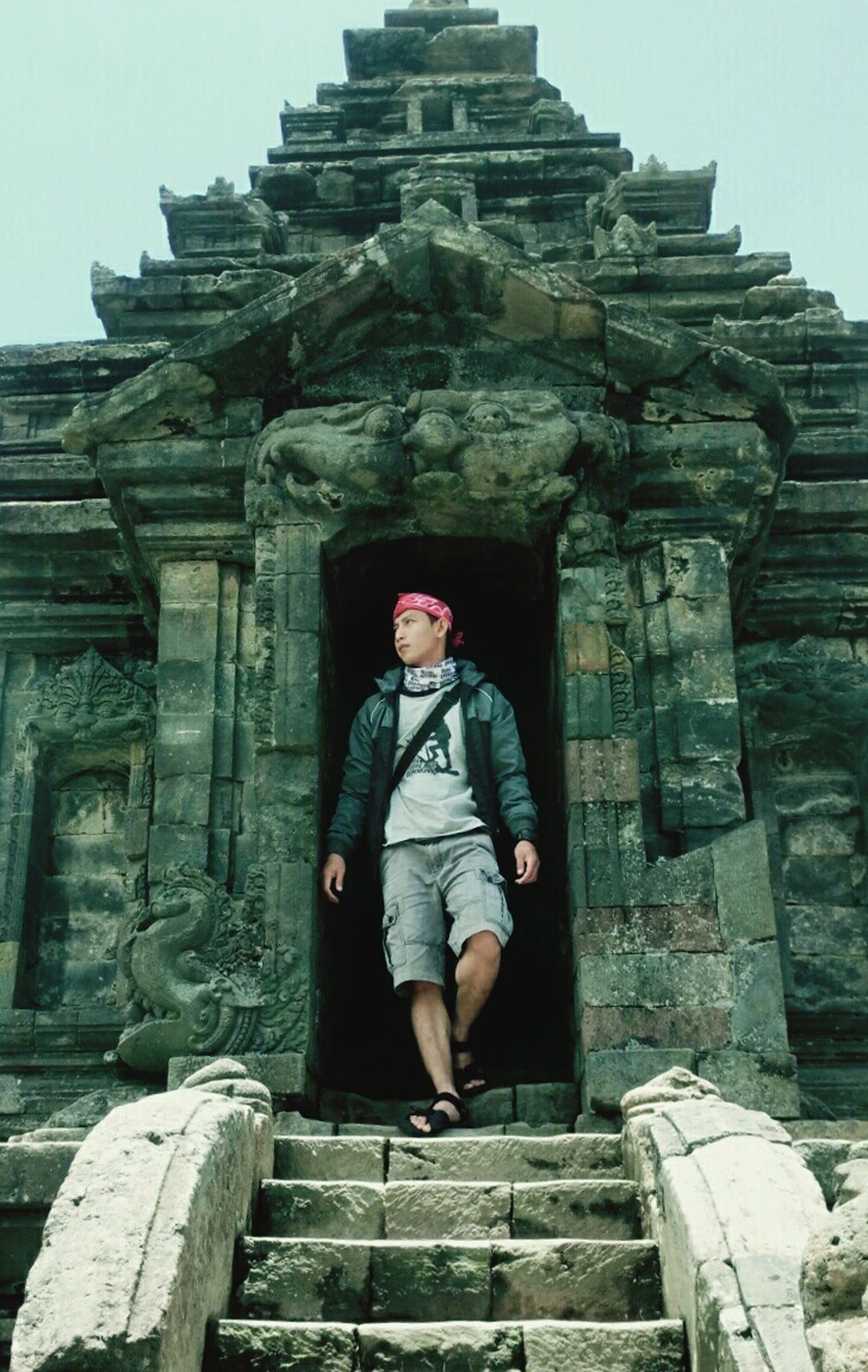 INDONESIA Jawatengah Tamplearjuna Beauty In Nature Cirebon  Selfie Outdoors Spirituality Architecture Travel Destinations History Building Exterior Real People One Person People