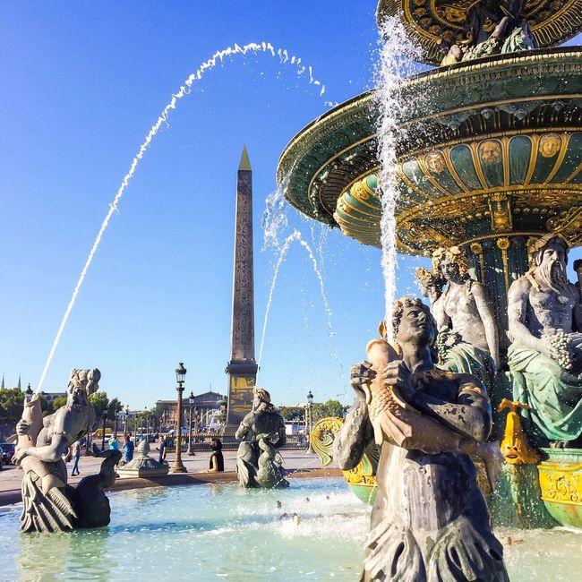 It's going to be a beautiful day! Bonjour Paris Travel Destinations Statue Sculpture Famous Place Parisweloveyou EyeEm Best Shots Paris Eyem Best Shot - Architecture Paris ❤ International Landmark
