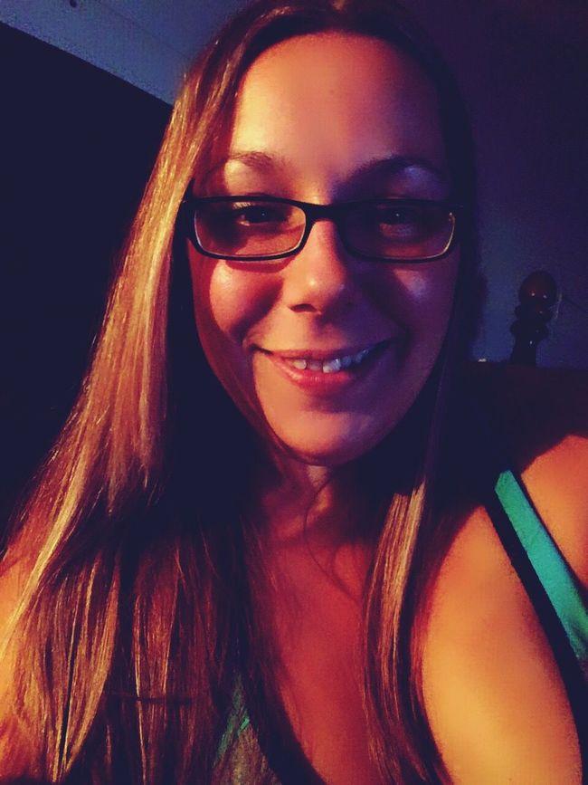 Portrait Smiling Allo Coucou ! C'EST MOI Je M'ennuie Long Hair La Vida Es Bella Sexyselfie