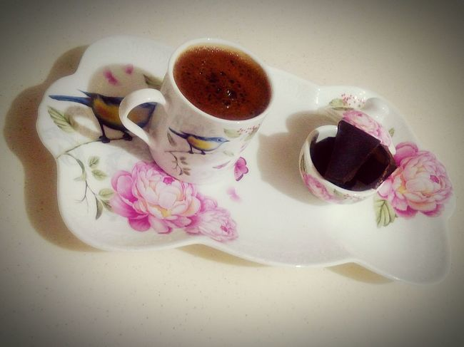 High Angle View Indoors  No People Drink Close-up Crumpled Paper White Background Day Coffee Time Coffee Break Coffee Cup Coffee - Drink Coffeelover Coffeeaddict Coffee And Sweets Coffee Table Coffee Culture Turkish Coffee☕️ Turkishcoffee Chocolate Darkchocolate Coffeeandchocolate