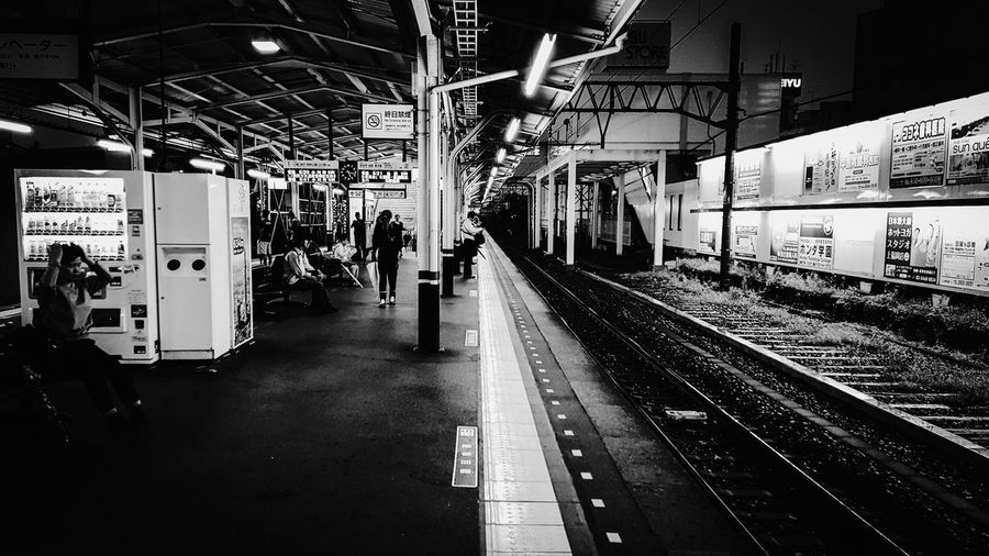Hello World Hanging Out EyeEm Best Shots The Moment - 2015 EyeEm Awards Monochrome EyeEm Best Shots - Black + White EyeEm Bnw Black And White Train Station Rany Day