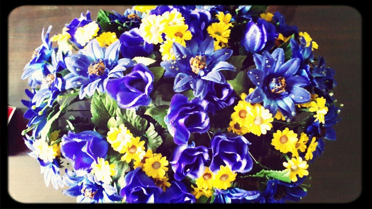 Flower Bucket Mizz Nunuy Taking Photos Details Of My Life Enjoying Life ♥ Enjoying The View Eyeem Flowers Flowers Bouquet Purple Flower