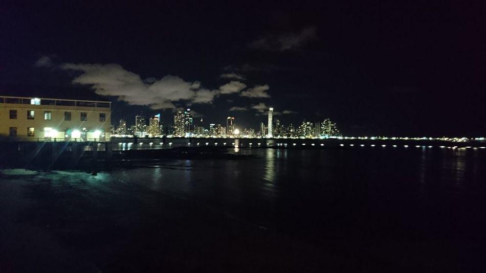 Panamá Nocturna
