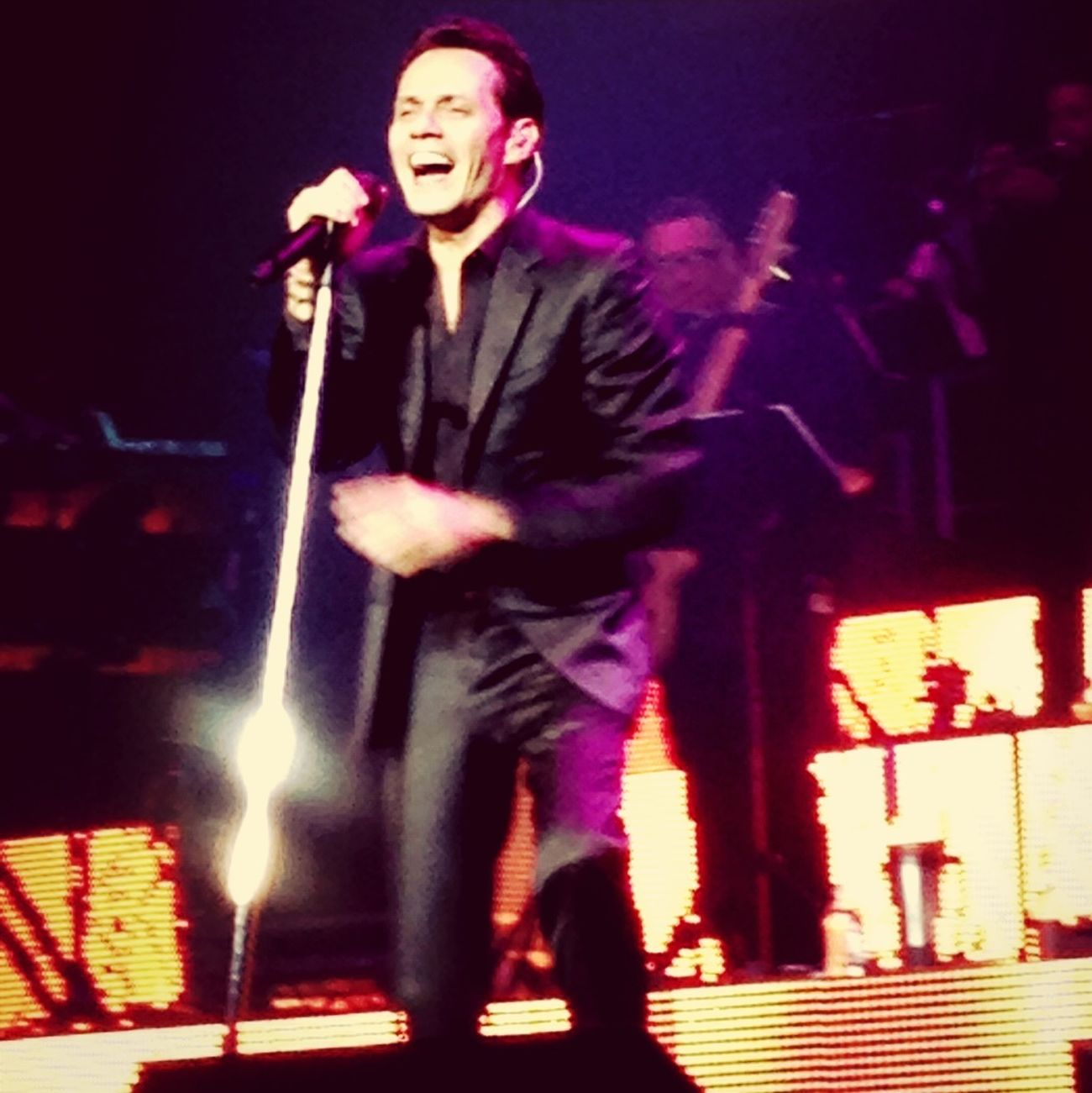 ConcertFront Row Marc Anthony Vivir Mi Vida Tour
