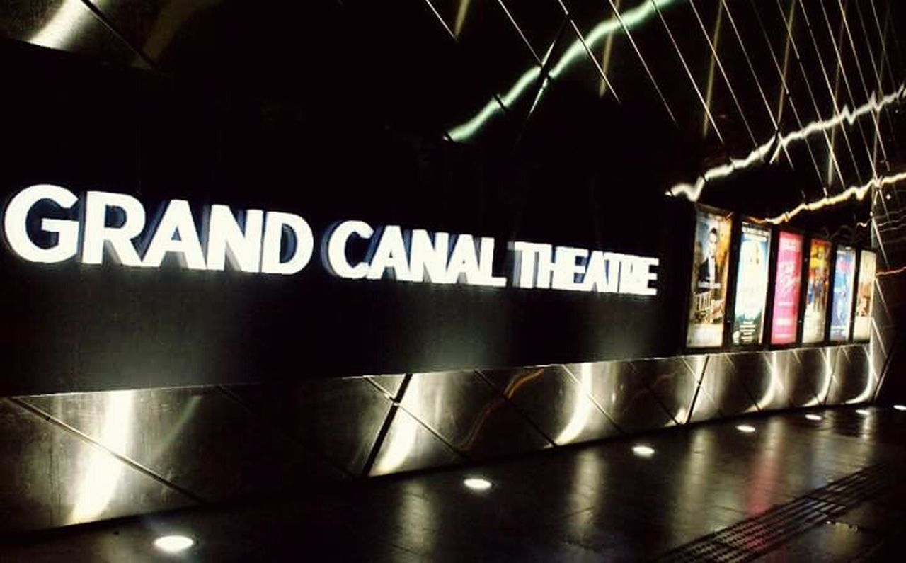 Walk This Way Dublin, Ireland Dublinbynight Theater Night Lights The Architect - 2016 EyeEm Awards