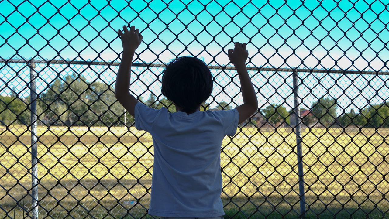 Fence Field Focus Kidsphotography Outdoor Fencepost Fence Pattern Kids Portrait
