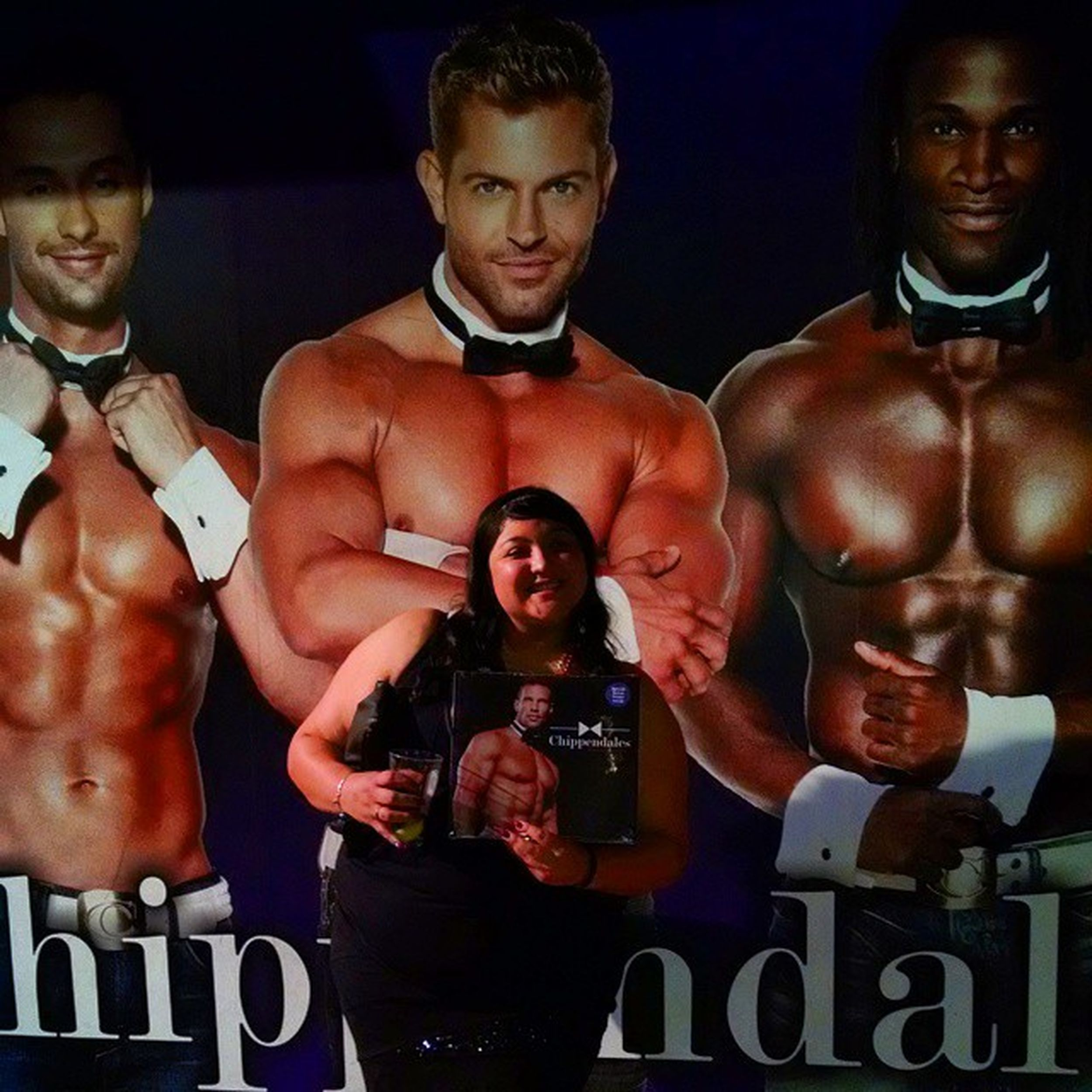 So I will n a calendar and a kiss tonight. Vegas  Bachoretteparty Rio Chippendales hekissedme