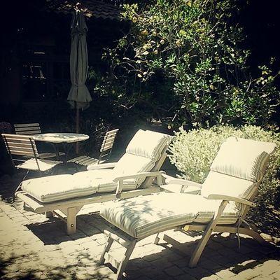 I sat here for three n a half hours Finallyloollikeablackgirl Ilovethesun Itsagoodlife Lounge california tan tranquility