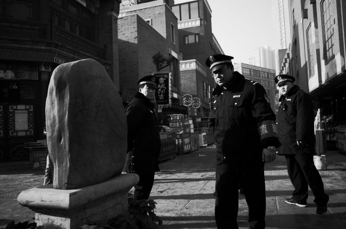 中国年 RICHO GR Tianjin China Buidings Person Street Style Streetphoto_bw Street Photography Streetphotography Street Black & White Black And White Black And White Photography Blackandwhite Citycenter City Police At Work Police Policemen