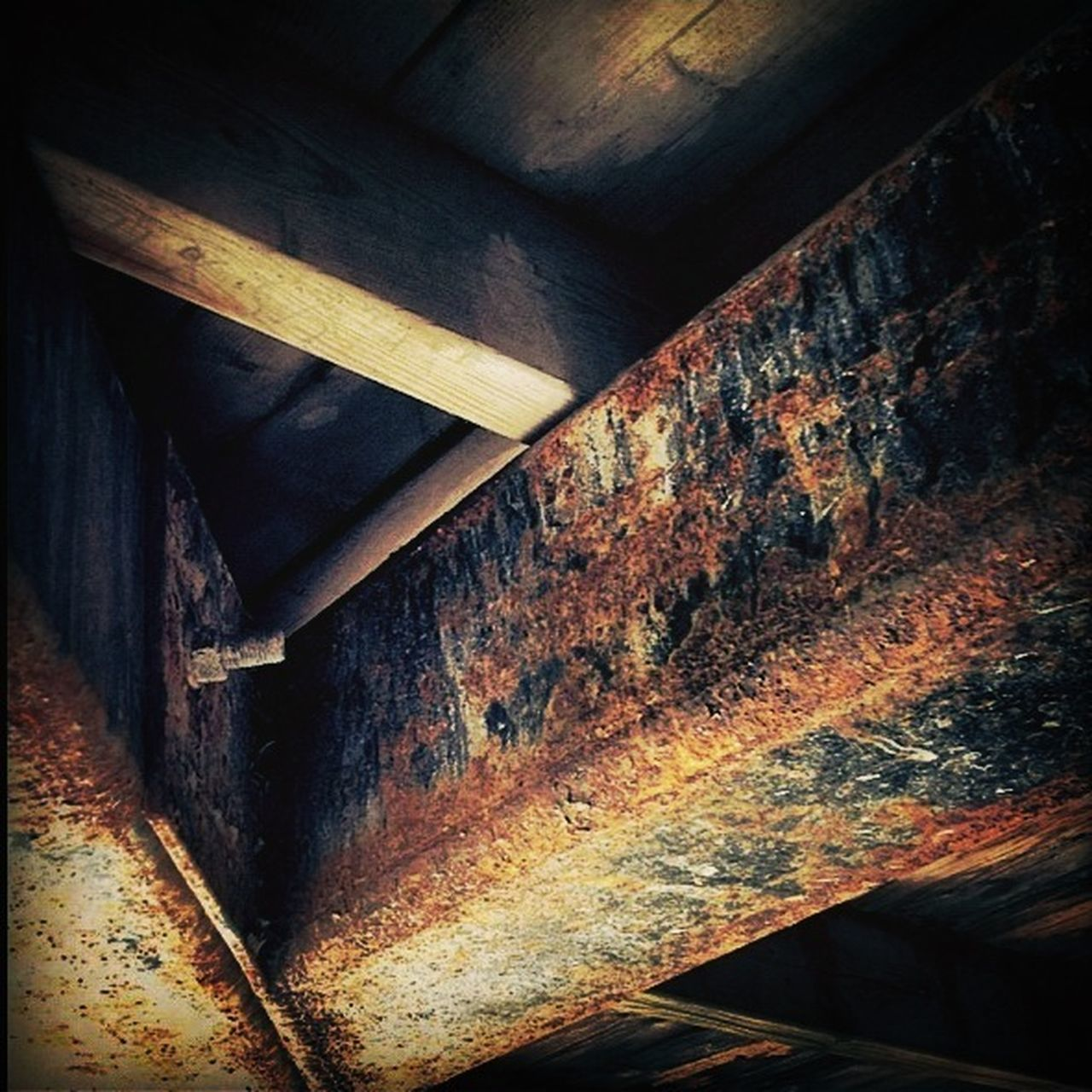 weathered, indoors, no people, wood - material, rusty, built structure, abandoned, architecture, day, close-up, basement