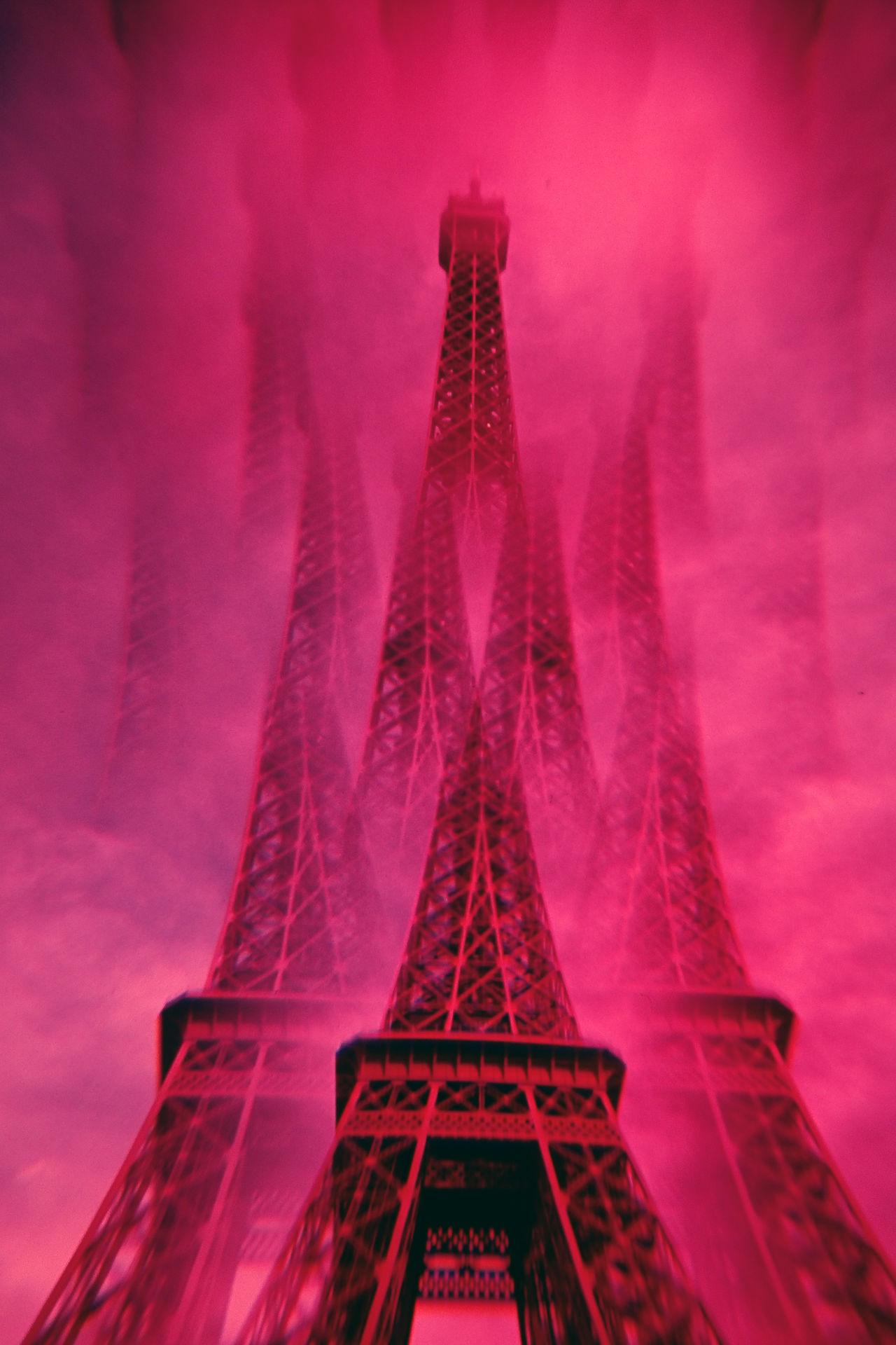 Architecture Built Structure Eiffel Tower France No People Outdoors Paris Special Effects Travel Destinations