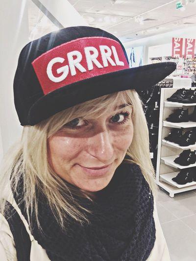 Grrrl H&M Girl