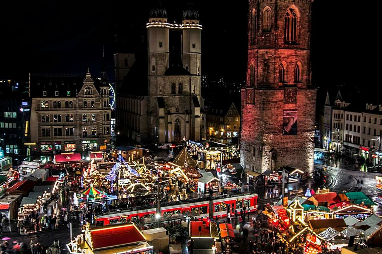 City Travel Destinations Christmas Market Outdoors Christmas Faces Of EyeEm Pixelpeat Langzeitbelichtung Canon600D Night Light In The Darkness Halle (Saale) Building Exterior Close Up Technology