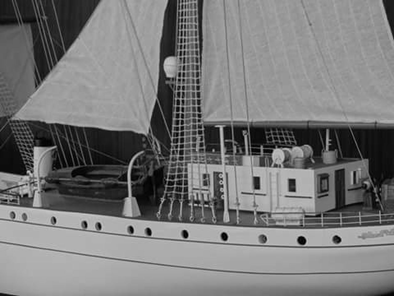 Modelo a escala de un barco de la Marina Armada de México. Fotografía sin edición. Blancoynegro Black & White Mexico MarinaArmadadeMéxico