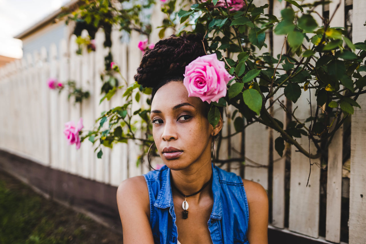 Outdoors Flower One Person Adults Only Adult People Day One Woman Only Young Adult Millennial Pink Portrait Portraiture EyeEm Nature Lovers Close-up Beauty Human Face Fashion