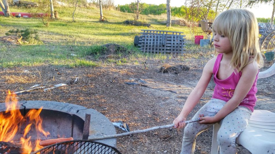 I am part native and can build a fire like noones business. Check This Out Enjoying Life Taking Photos Relaxing Sunshine Feeling Fabulous! Mommashouse Project Happy Cellphone Photography Rug Rat