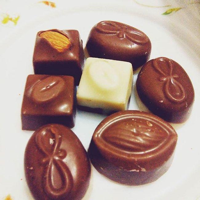 Chocolates make me happy :-D Lategram Sweettooth LoveEm Decemberdairies💞 Bubyee2015
