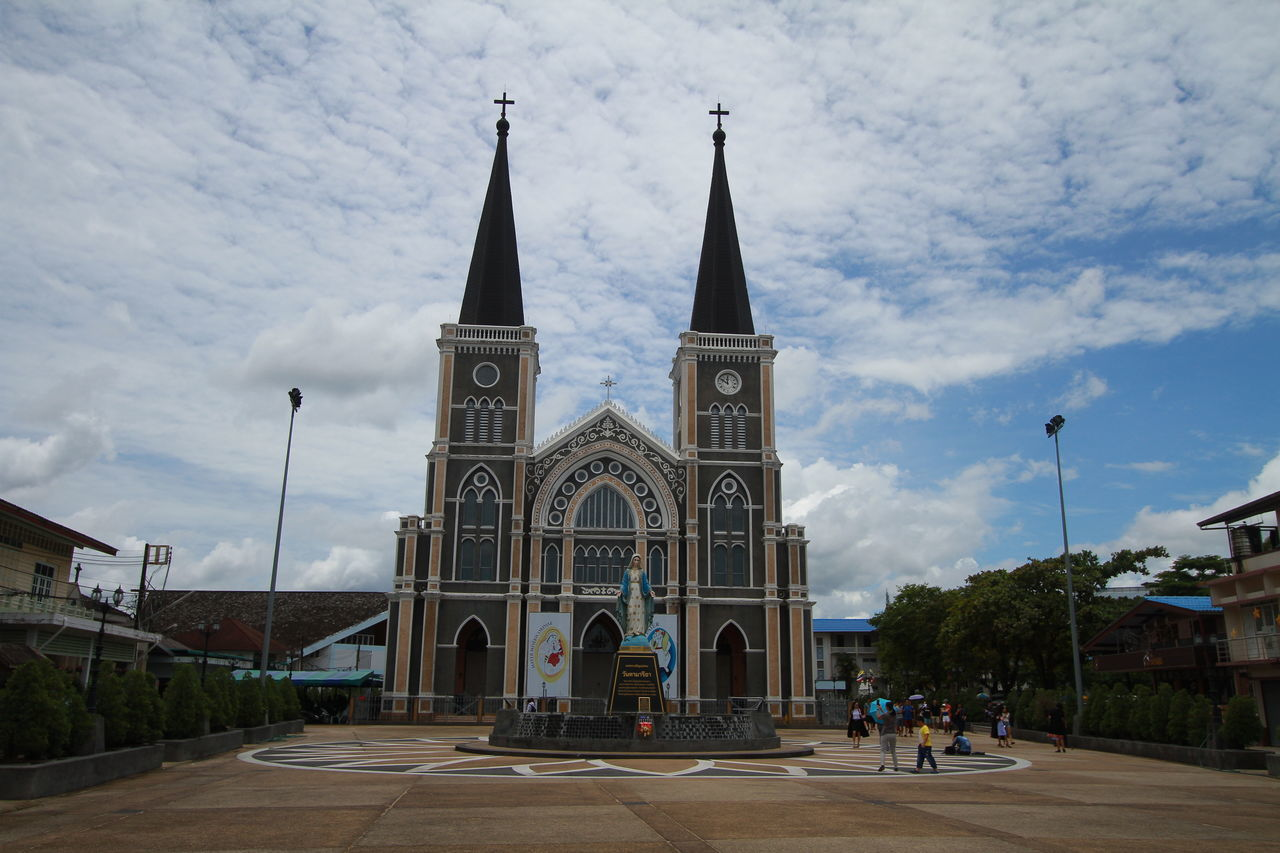 Building Thailand Trip Travel Photography Thailandtravel Eos7d Sky And Clouds Chantaburi Thailand Church