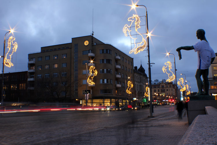 Hämeensilta by night. Adapted To The City Building City Decoration Finland Ihmiset Illuminated Katu Kaupunki Light Trails Lights Liikenne Night Outdoors Patsaat People Rakennus Road Statues Street Tampere Trafic Valojäljet Valot Yo
