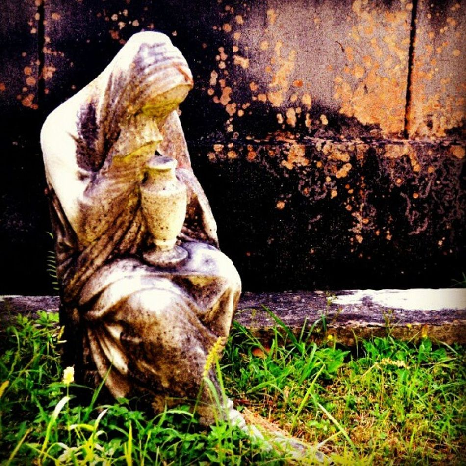 #weeping #cemetery #stone #saveourcemeteries #nola #neworleans #grave #tombstone #masonry #pictureoftheday #sculpture #tomb Neworleans Saveourcemeteries Masonry Weeping Stone Sculpture Cemetery Tombstone Grave NOLA Tomb Pictureoftheday