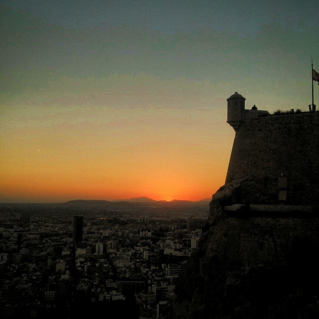 Puesta De Sol desde el Castillo De Santa Bárbara Alicante Sunset
