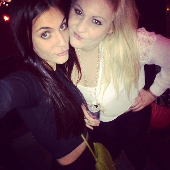 ? Zahnikanmaarweerverjaar Monica Partybus Tigertiger pout selfie throwback blond brunette longhairdontcare crop l4l f4f instalike beste nightout celebrations