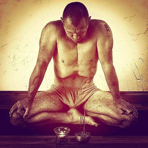 This is the Great MahaBandha . Experienced at the end of the Rechaka ( Exhalation ) It is both Bahir Kumbhaka with all three Bandhas Engaged. The Awareness is steady on the VOID within We empty ourselves and humbly prone ourselves, devoid of Ego, humbly accepting what the universe presents . Pranayama Yogi Yoga www.ishwarayoga.co.UK