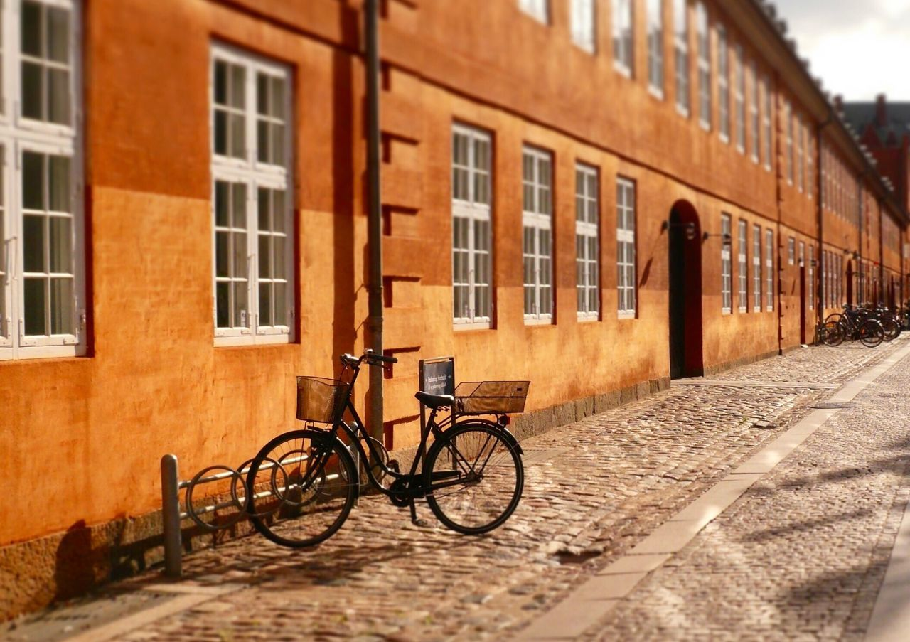 Danmark Kopenhagen Bicycle Old Buildings Old-fashioned Building Exterior Architecture Transportation Built Structure City Street No People Day City Life