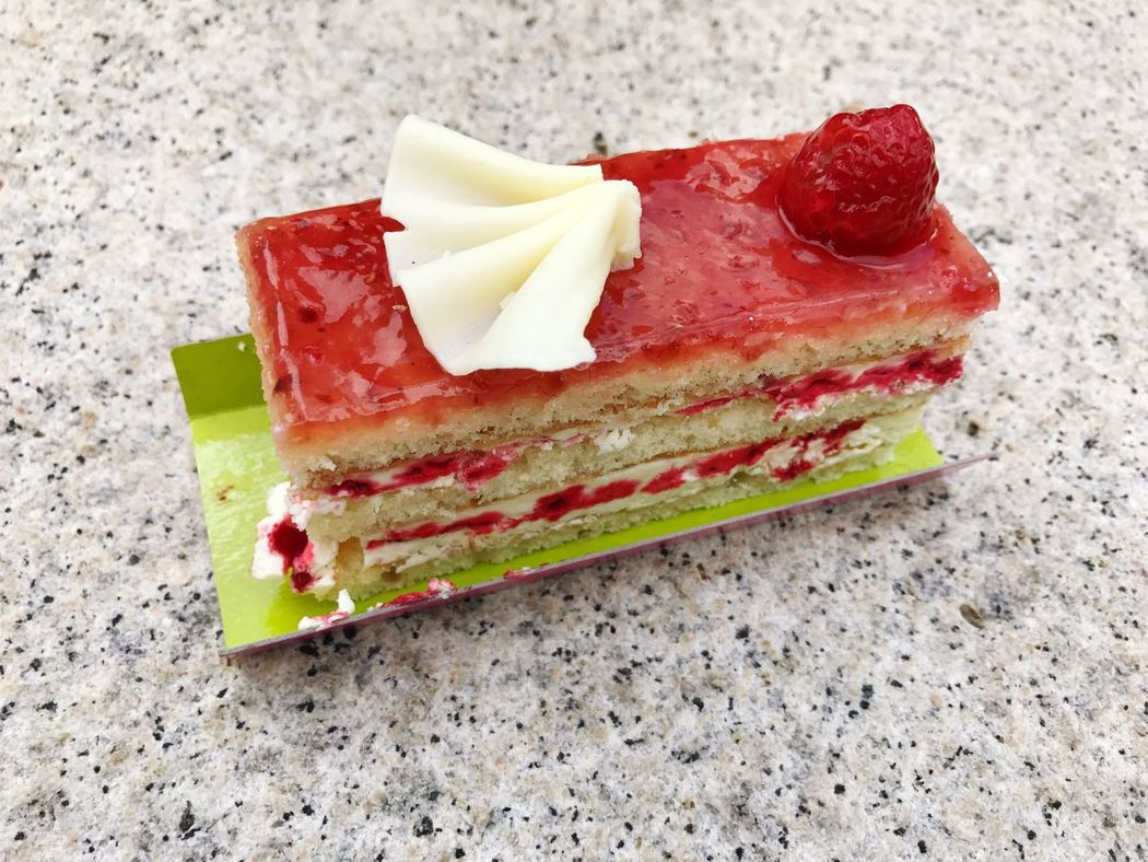 Cake Raspberry Raspberry Cake Slice Of Cake SLICE Food And Drink Food No People Close-up Freshness Ready-to-eat Indoors  Day