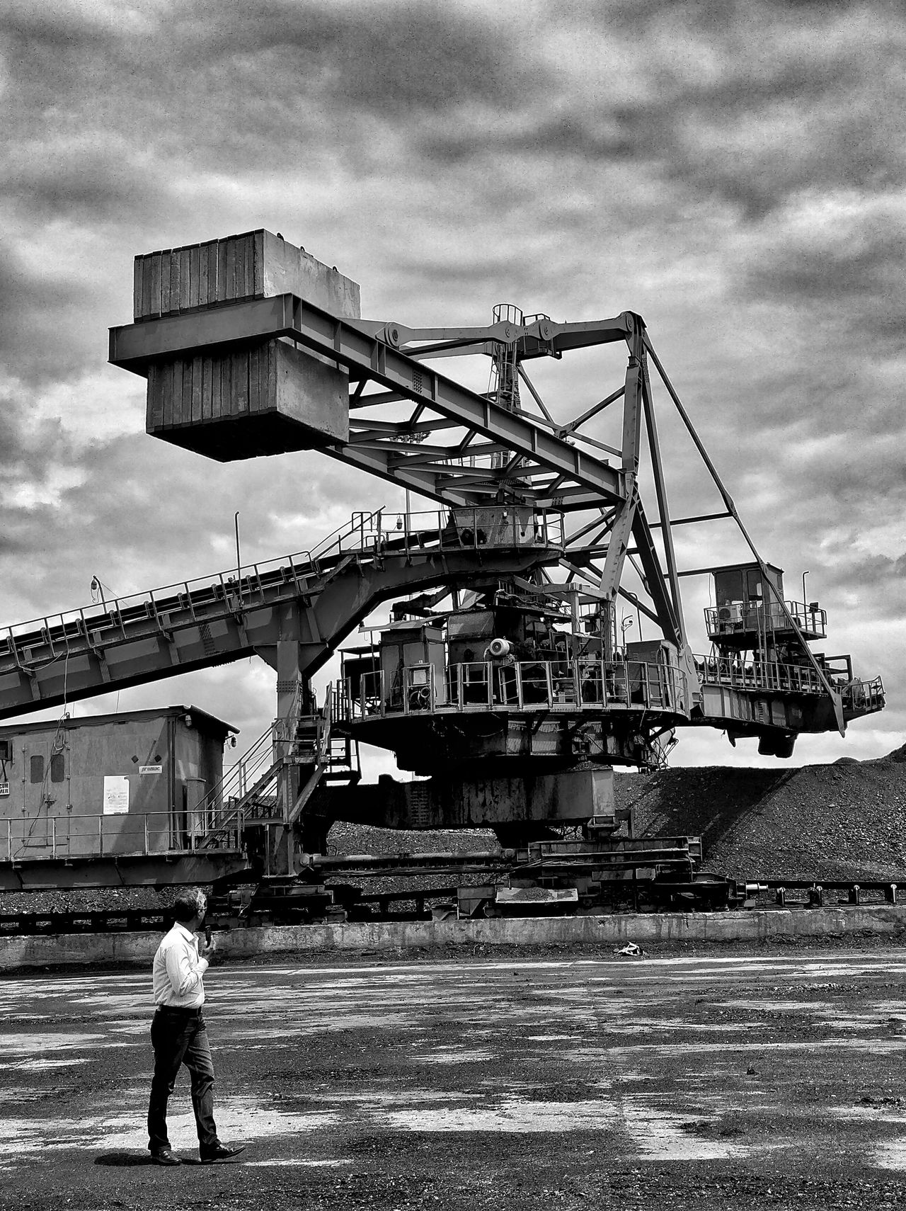 Outdoors Sky Only Men Day Industry One Man Only One Person Men People Real People Adult Adults Only Oil Pump Built Structure Architecture Power Station Reclaimer Stacker Coalmine Monsterous India Blackandwhite Bnw Monochrome Landscape_Collection Karnataka