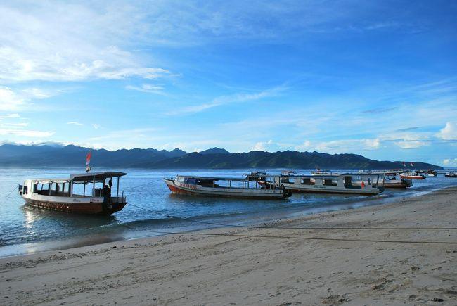 Ocean view Blue Ocean Fishing Boats Beach Beach Please INDONESIA Gili Trawangan Travel Photography Wanderlust Ocean View