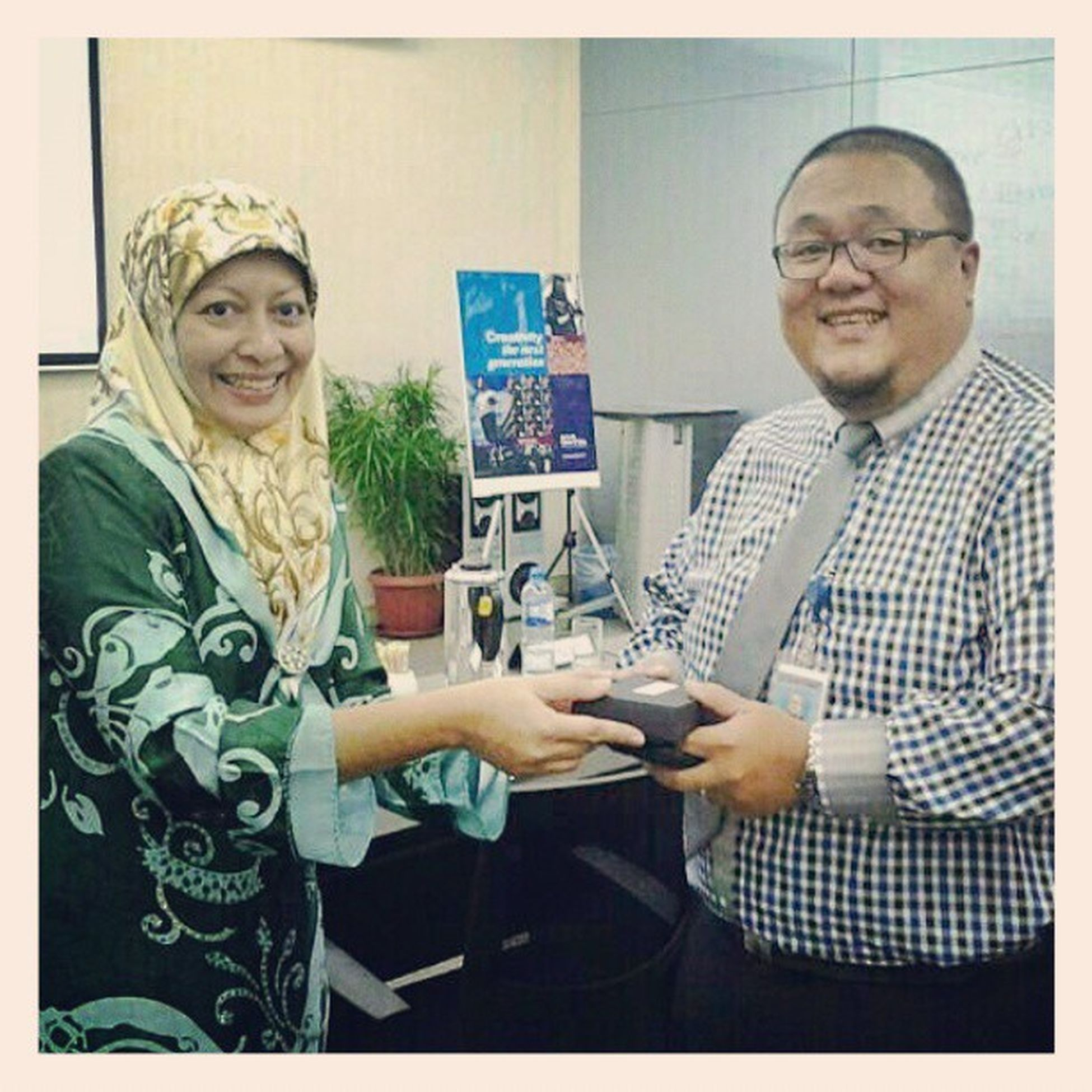 Received a lovely memento from Dyg Sharinah from the Patent Registry Office for judging the 30 second infomercial competition on Intellectual Property Rights earlier today. Some powerful entries! Brunei InstaBruDroid Andrography IPR