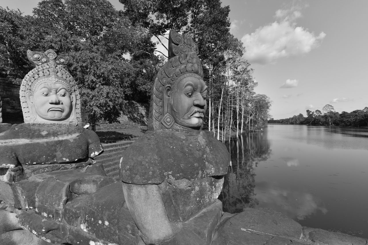First Eyeem Photo Angkor Angkor Thom Bridge Original Experiences Sculpture Khmer Khmer Empire Taking Photos Blackandwhite Black & White Selective Focus Black & White Photography Black And White Cambodia Unesco World Heritage Discovering Great Works Streetphotography