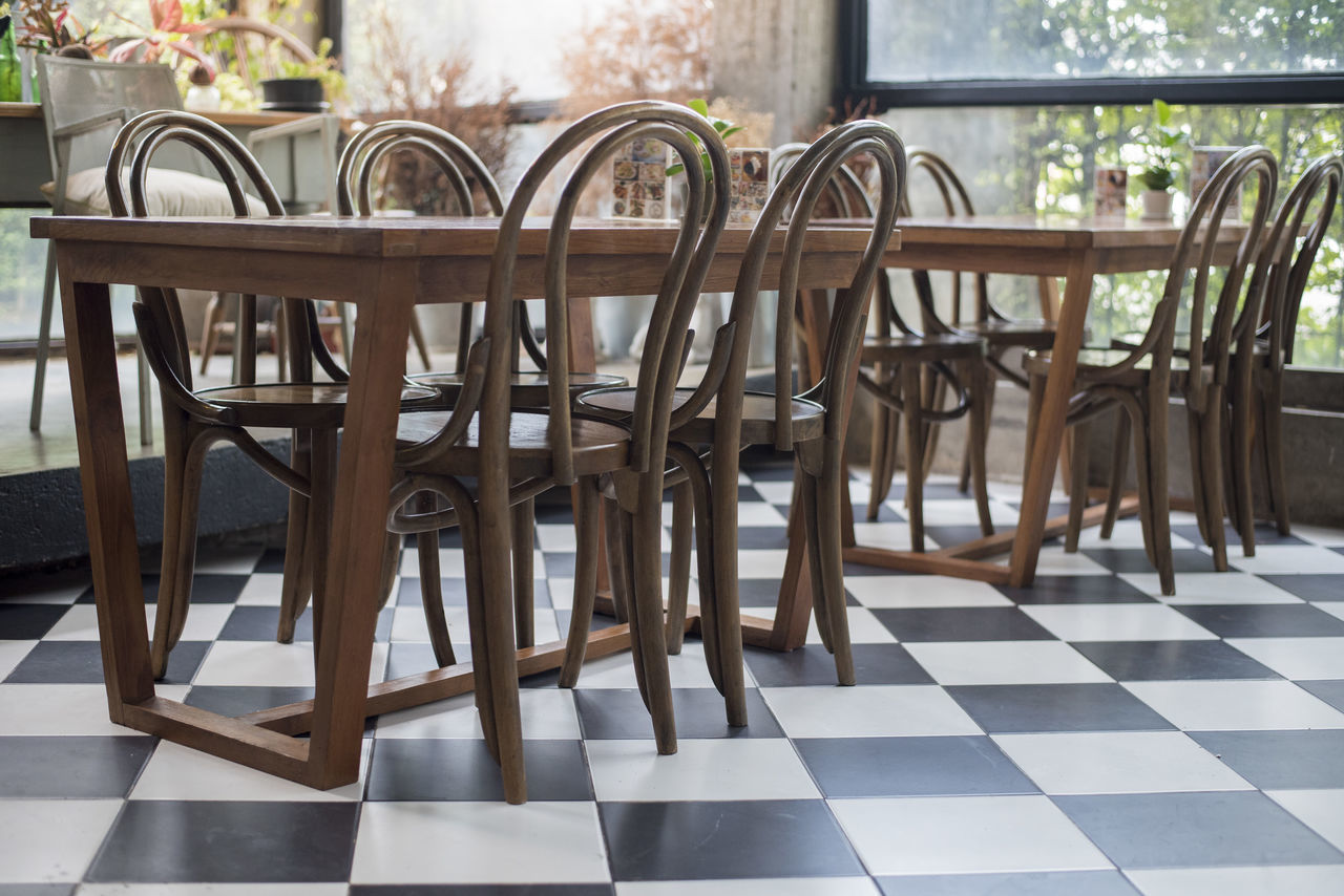Chair Coffeeshop Day Desk No People Table Tables Wood Woodtable