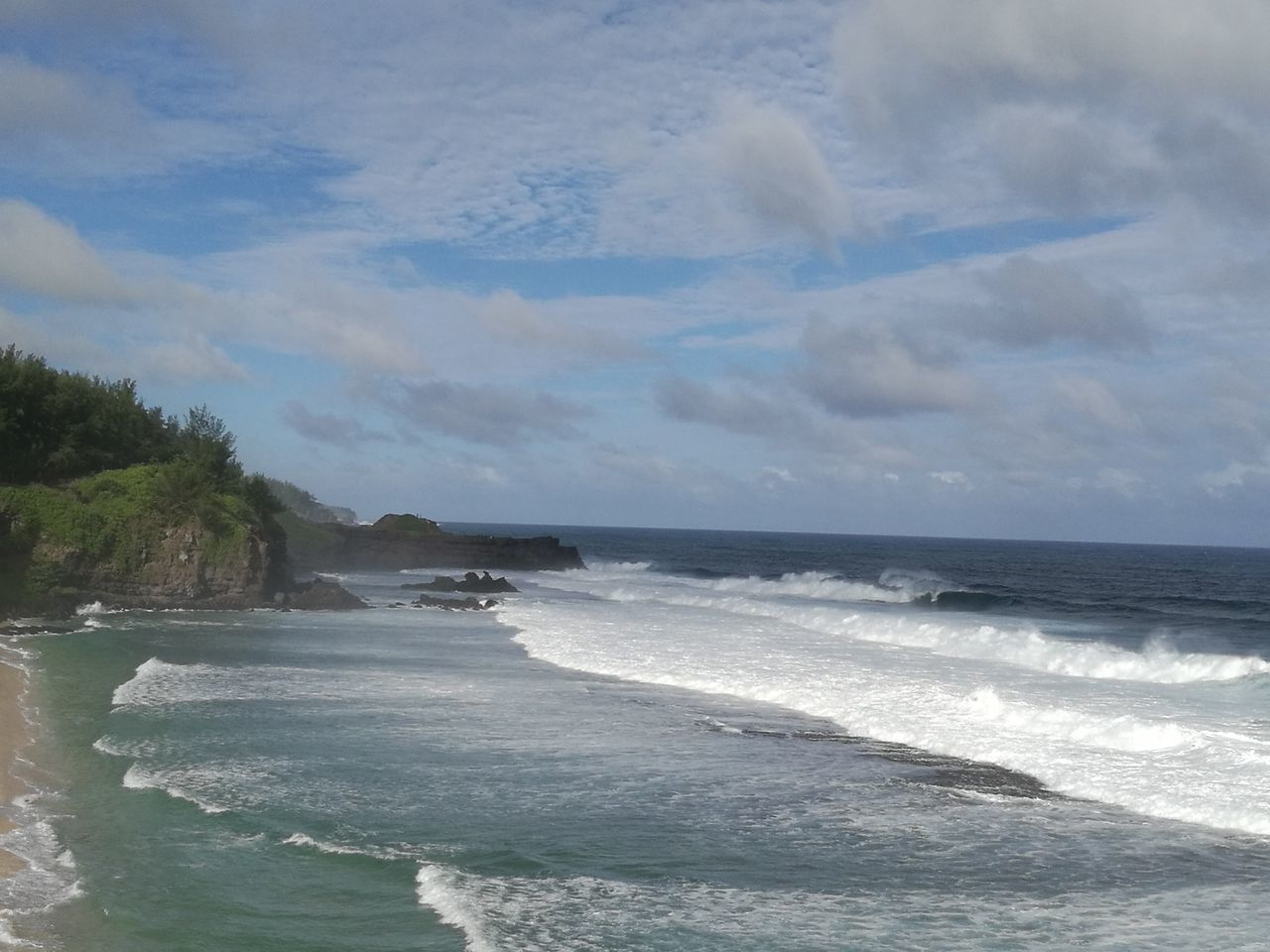 sea, wave, nature, water, sky, beauty in nature, beach, scenics, no people, motion, horizon over water, outdoors, day