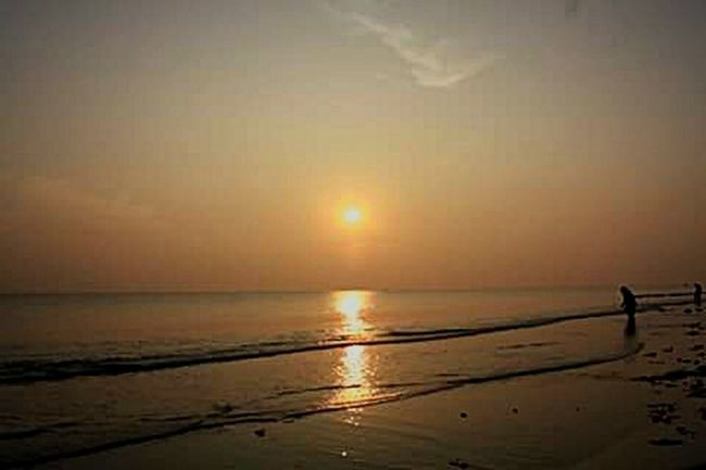 Sunset #sun #clouds #skylovers #sky #nature #beautifulinnature #naturalbeauty #photography #landscape Sunset Sunset On The Beach Sunset On The Water Sunset On Beach