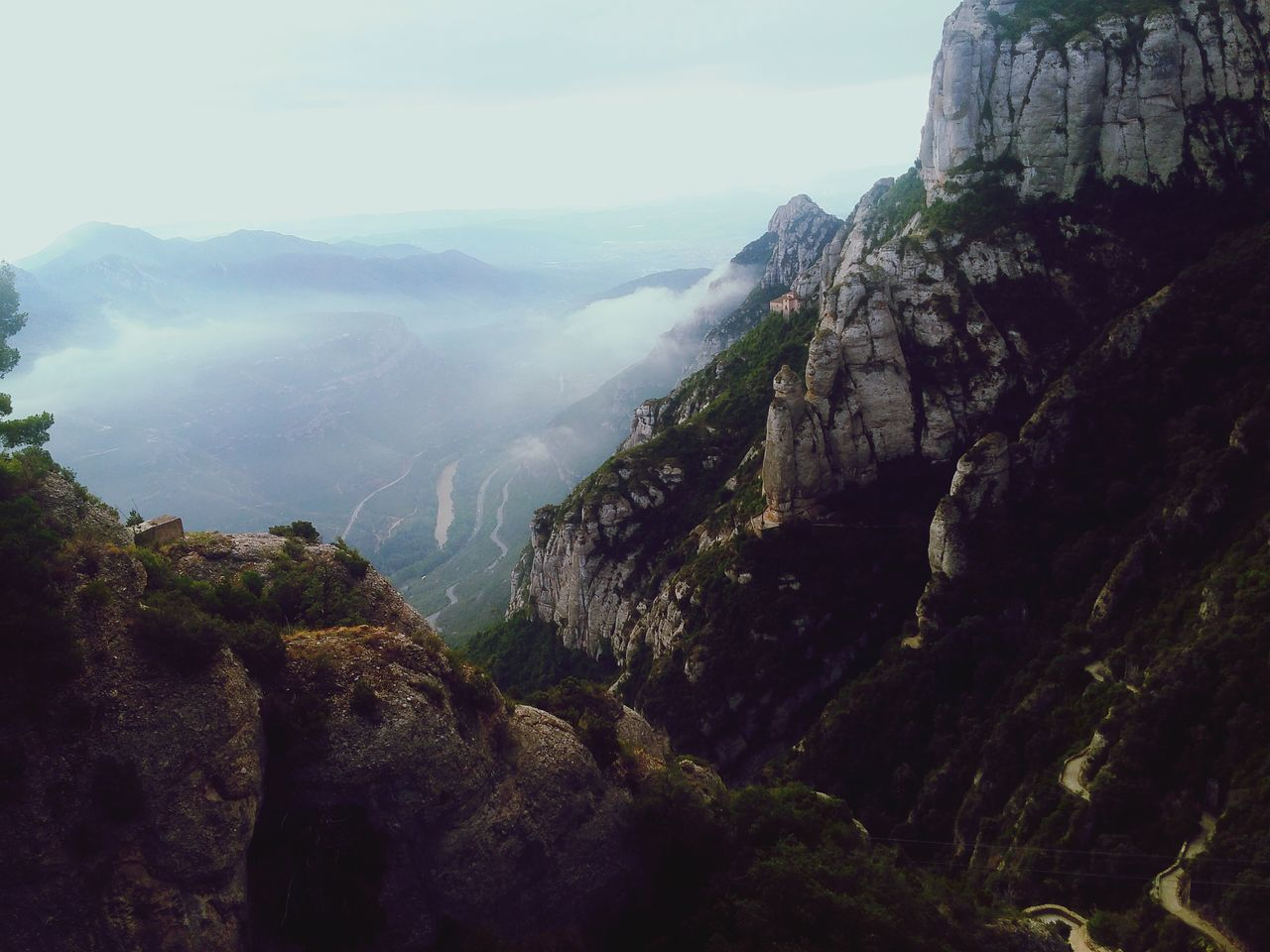 mountain, nature, beauty in nature, tranquil scene, tranquility, scenics, no people, day, cliff, landscape, outdoors, sky