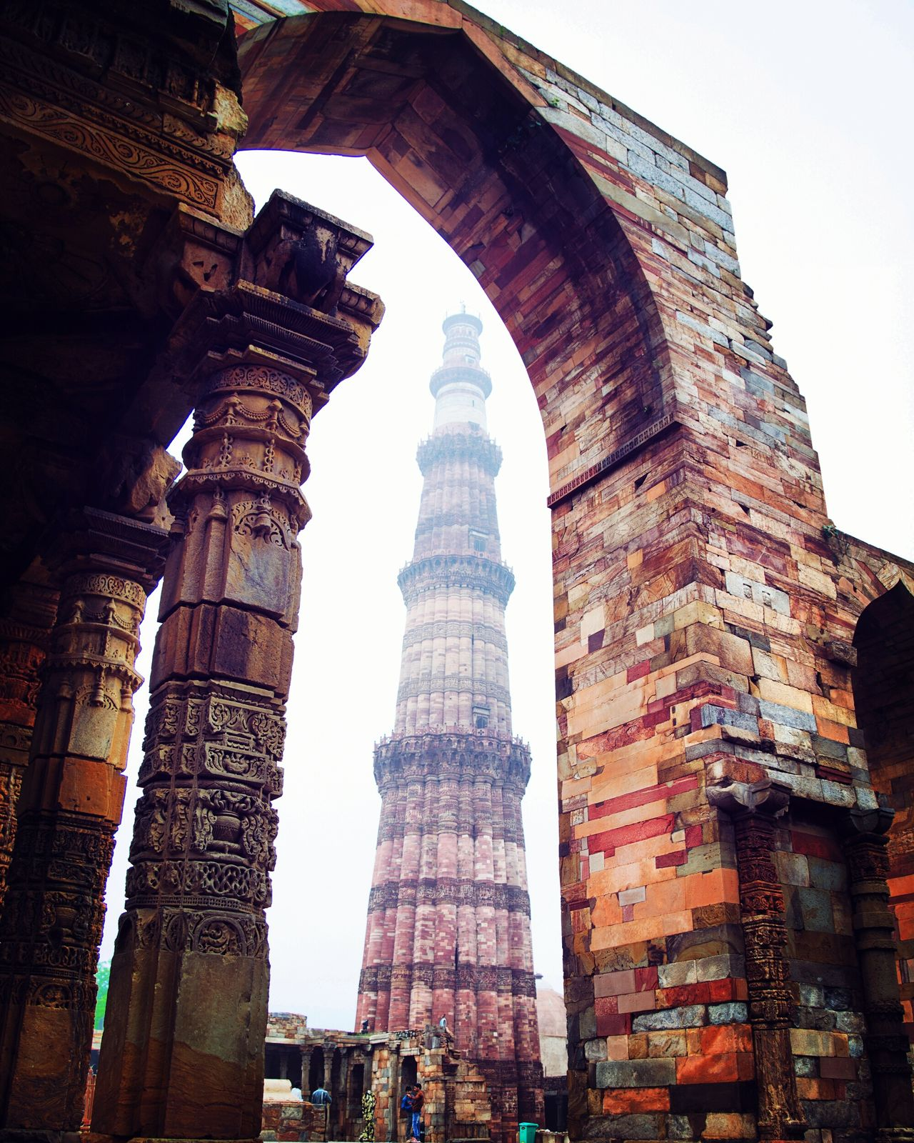 Tourists Travel Photography Taking Photos Sightseeing Photooftheday Monument Monumental Buildings Qutab Minar View Angle Photography Perception Historical Sights Enjoying Life Being Adventurous Stories Behind The City Old But Awesome Old Architecture OldtimeOldtime