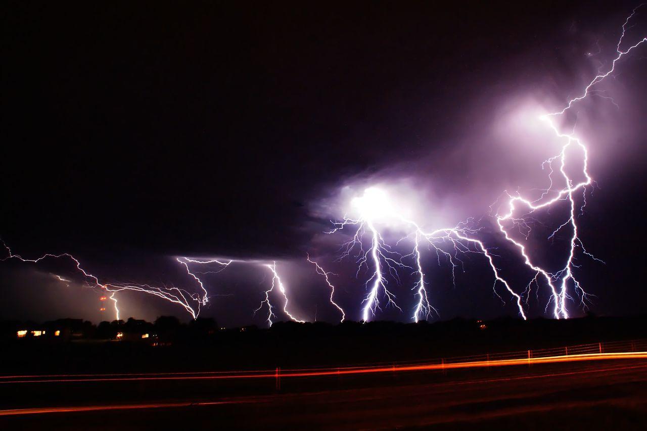 Beautiful stock photos of blitz, Beauty In Nature, Blurred Motion, Cedar Rapids, Cloud - Sky