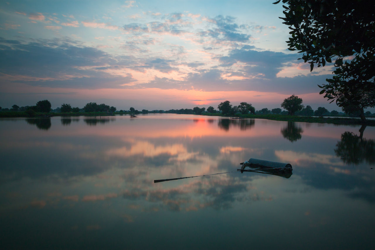 Morning show Reflection Outdoors Nature Beauty In Nature Landscape Water Reflections Morning Sunrise Morning Glory Morning Glow Morning View Morning Morning Light Sunrise Sky Cloud - Sky Lake Water Reflection