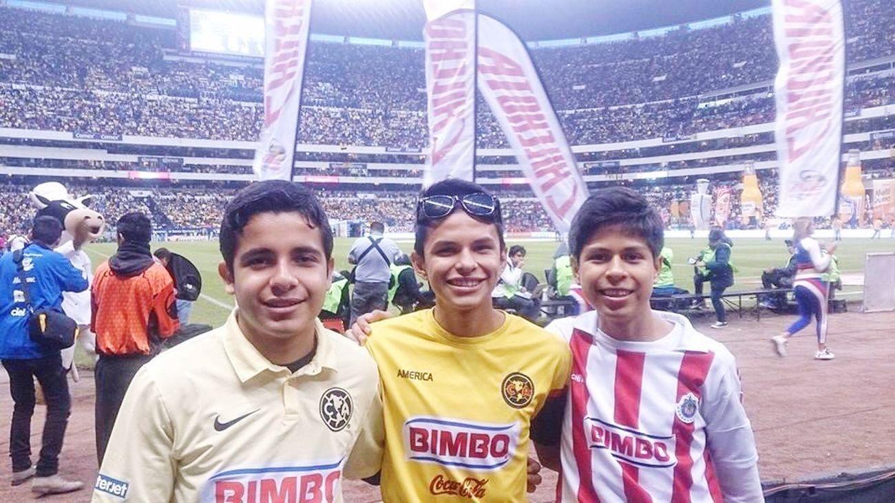 Estadioazteca Americavschivas Amigos :)