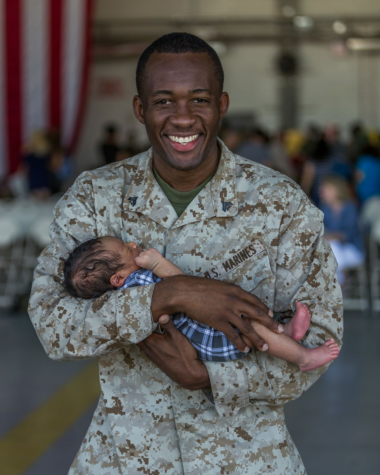 Homecoming Welcome Home USMC Marine Life Marine Baby Babyboy Holding Baby For First Time The Portraitist - 2017 EyeEm Awards