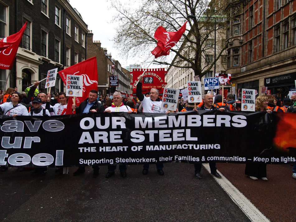Resign Protest, Central London, 16-04-2016. Protest calling for David Camerons Resignation as Prime minister. David Cameron London Olympus Protest Protesters Resign Resign Protest Steve Merrick Stevesevilempire Tax Avoidance Tax Haven Taxation Zuiko