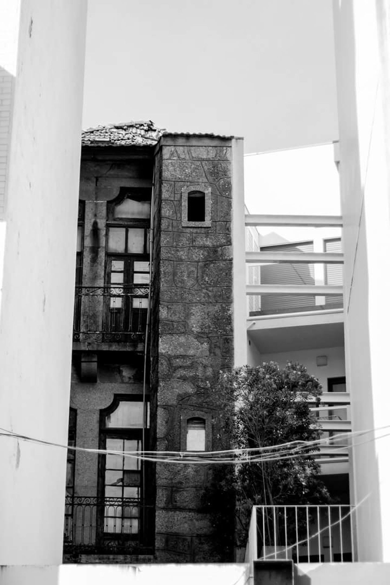 Building Exterior Window Built Structure Architecture No People Outdoors Streetphotography Street Photography Blackandwhite Photography Black And White Blackandwhite High Contrast Bnw High Contrast Urban Perspectives Black & White Architecture