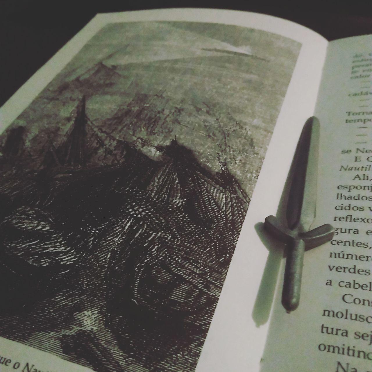 Book Libros Goodnight Books ♥ Bookstagram BookLovers War Peace Sword Livrosdeecabeceira Livrosquemefascinam Livrosemaislivros Inspirational Inspirations Everywhere. Photooftheday Indoors  Close-up No People