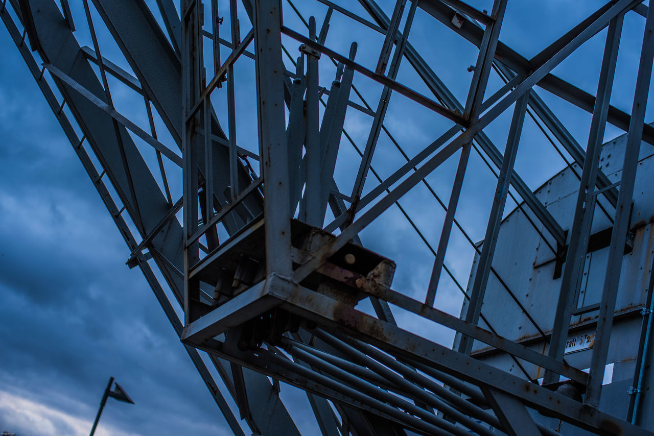 Construction Enjoying Life Evening Evening Sky Harbour Harbour Life Harbourside History Outside Rust Steel Steel Cable Steel Structure  Steel Tower  Streetphotography Vintage